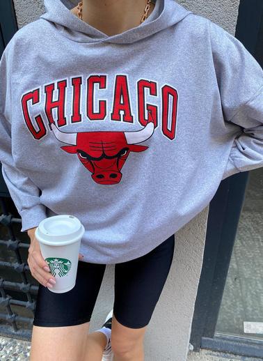 XHAN Gri Chicago Baskılı Kapüşonlu Oversize & Bol Kesim Sweatshirt 1Kxk8-44195-03 Gri